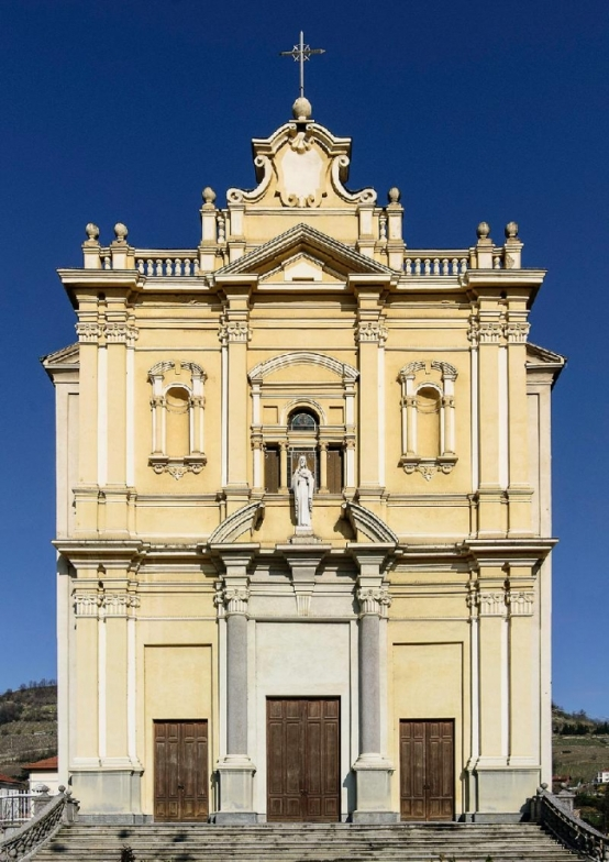 La chiesa parrocchiale di Santo Stefano Belbo.